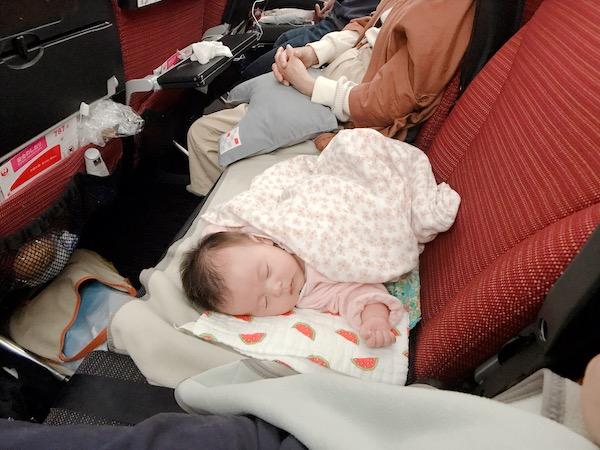 《生後7週》赤ちゃんとはじめての長距離フライト
